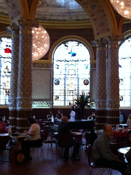Victoria and Albert museum cafe